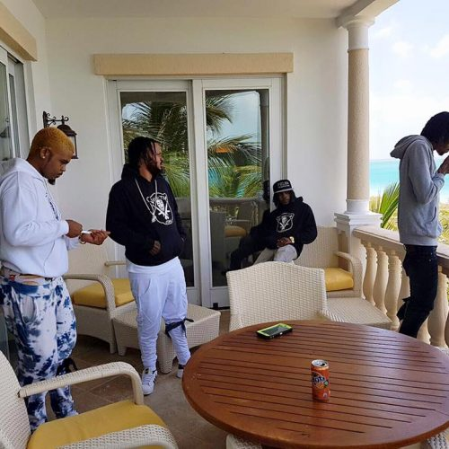 Écoute le titre -«Nice & Easy» de l'artiste jamaïcain ALKALINE / et le live du concert  NEW RULES – Mars 2017