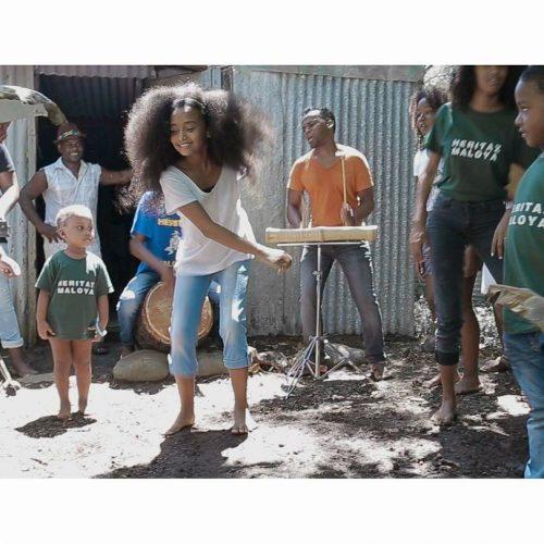 "Regarde le clip du groupe Maloya HÉRITAGE MALOYA avec OLIVIER ARASTE du groupe LINDIGO -""Tou lé dé""- Mai 2017"