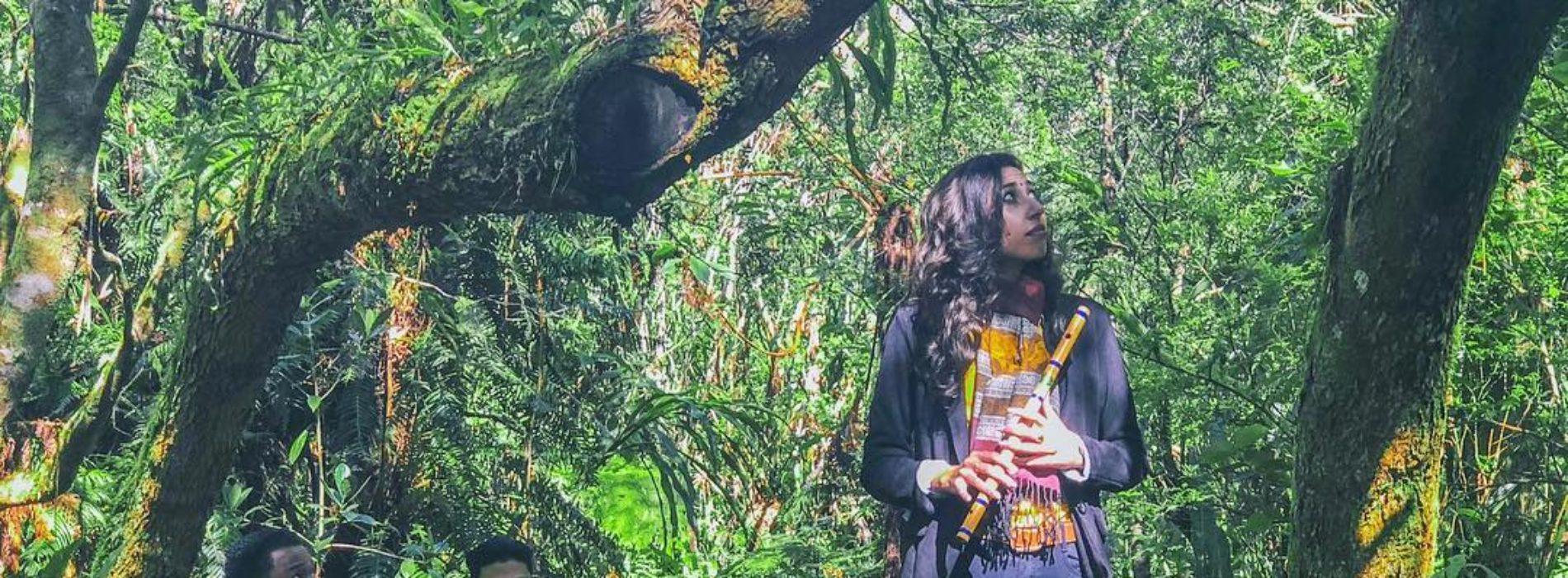 Kénaelle chante son bien vivre ensemble dans la fôret de Bébour [ LIVE SAUVAGE ]  – Octobre 2018