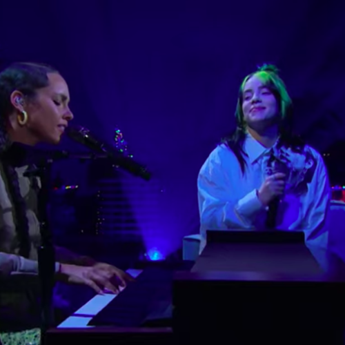 Billie Eilish & Alicia Keys Perform Ocean Eyes The Late Late Show with James Corden   – Décembre 2019