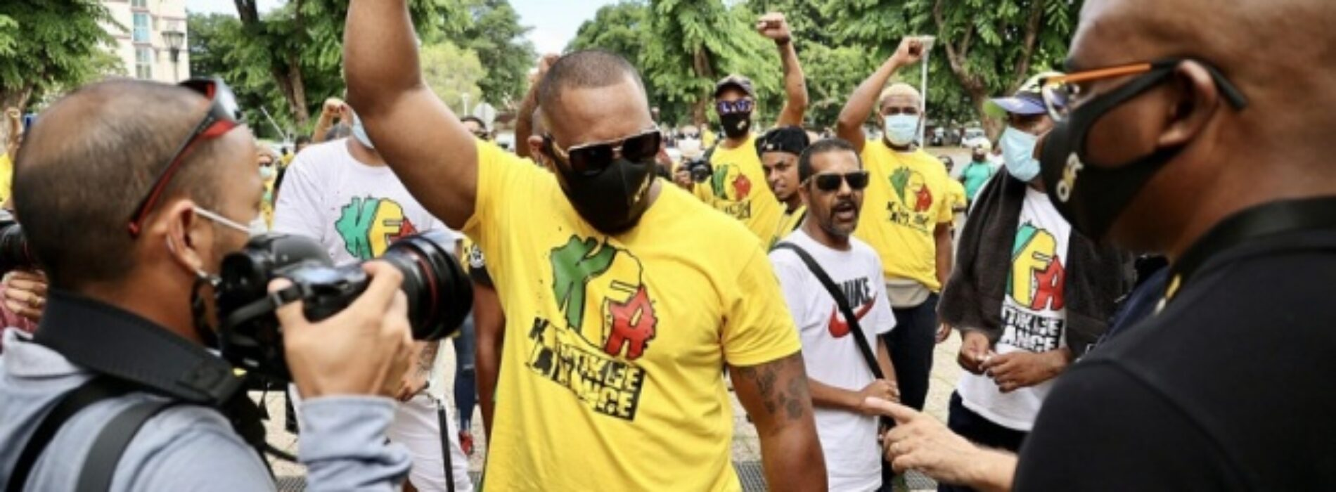 """L K P Vizion présente """"Kritik Fé Avancé"""" avec Willy Incana – Reportage sur l'affaire du 31 decembre dans la ville du Port, à l'ile de la Réunion . Avril 2021"""